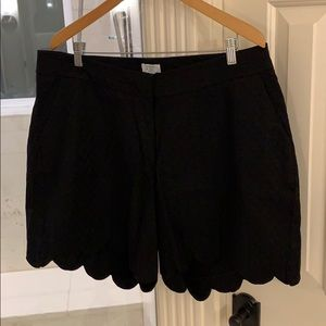 Crown & Ivy Black Scalloped Shelby Shorts 18W